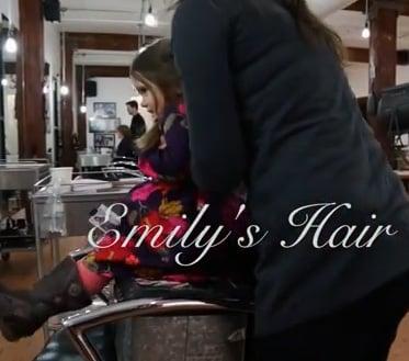 el cabello de emily